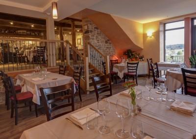 Salle_de_restaurant1920 x 1148